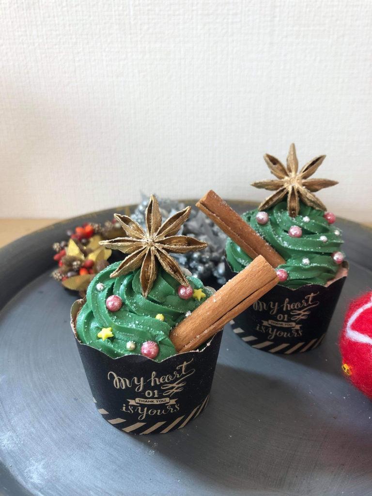クリスマスツリーのバスボムづくり